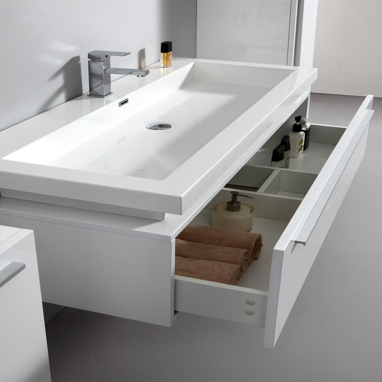 Import diffusion ensemble complet meuble de salle de for Miroir 3 volets salle de bain